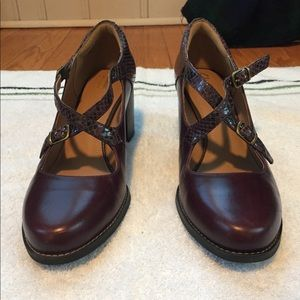 Clarks Artisan Burgundy Leather Heels